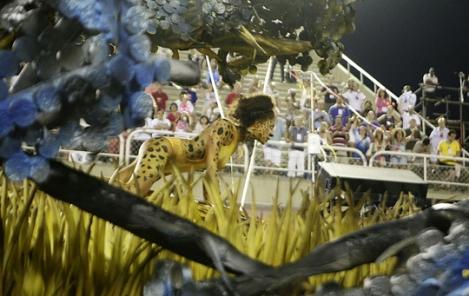 Member of Vila Isabel represented the fauna of Africa - photo:  Rodrigo Gorosito/G1