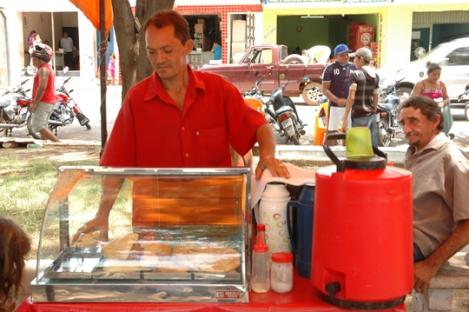 Street vendor of snacks at the Praça Josino Ferreira