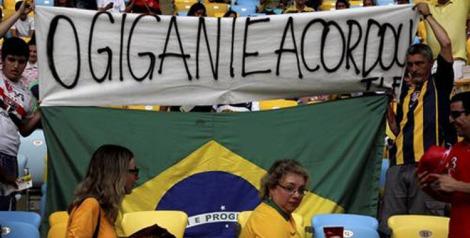 140330-Torcedores protestam durante a Copa das Confederações - Custódio Coimbra-Agência O Globo 750x380 72dpi
